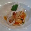 Médaillon de homard rôti, spaghettis de navets et ananas, vinaigrette aux graines de sésames et caramel de carottes