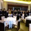 Passation de pouvoir dans les cuisines du restaurant Sens & Saveurs à Tokyo