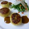 La recettes de la semaine : Pommes de terre fondantes farcies aux champignons et foie gras, jus de cèpes et salade de saison