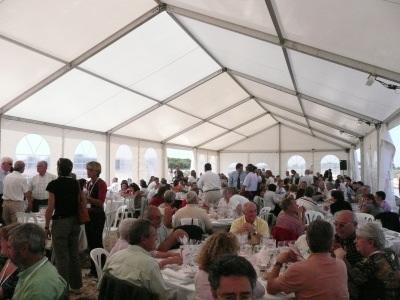 Le déjeuner sous la tente