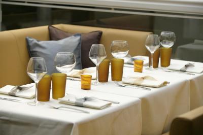 Sens rue de Ponthieu à paris, c'est aussi un restaurant !