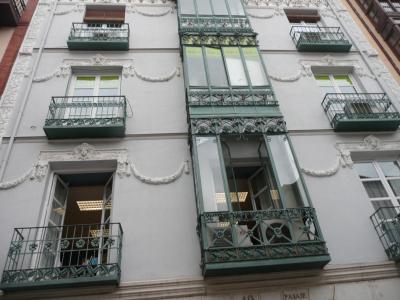 Les façades rénovées de la Ville, offrent un écrin à l'exposition