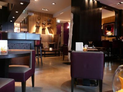 L'espace Bar & Tapas de Eastwest hôtel à Genève
