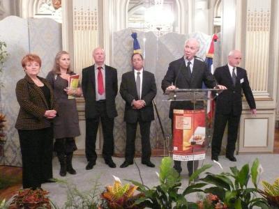 Cérémonie officielle avec le Préfet de Région, Le Maire de Périgueux et les divers représentants du Conseil Général, de l'Agglomération.....