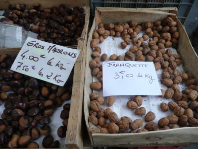 Fruits de saison, châtaignes et noix