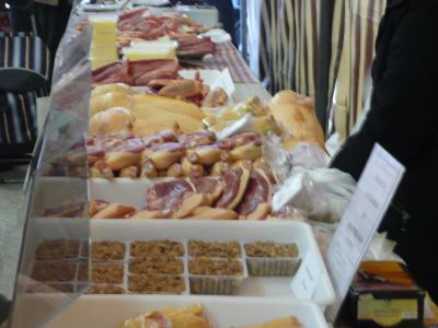 Les canards gras sont vendus découpés en pièces
