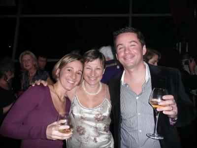 Laure et Laurent Connors, qui entourent Claude Pourcel