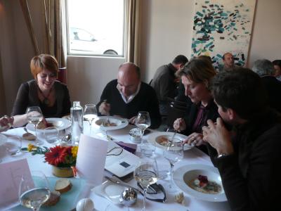 Jacques Pourcel et quelques un des journalistes présents.