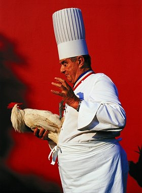 "Monsieur "" Paul "" domptant un coq..."