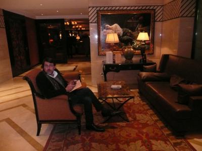 Olivier Château dans le lobby