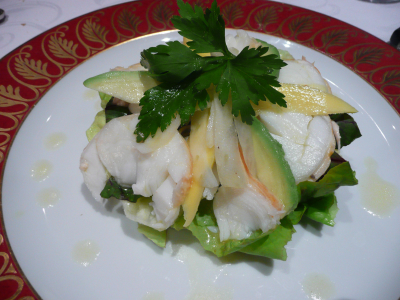 Salade de langouste, mangue et avocat - environ 22 euros la salade....