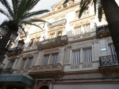 Les belles façades qui se déclinent partout dans Oran