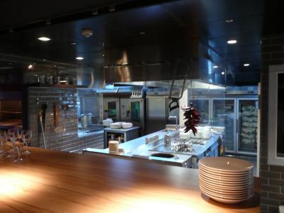 Rue lebec halles gourmandes chefs pourcel blog for Cuisine ouverte restaurant norme