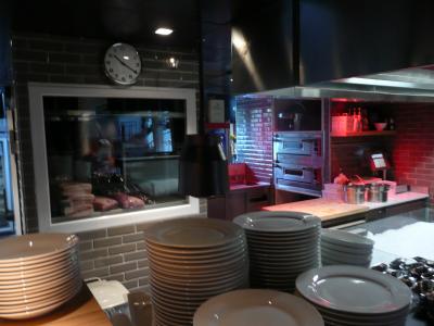 Rue lebec halles gourmandes chefs pourcel blog for Cuisine ouverte restaurant