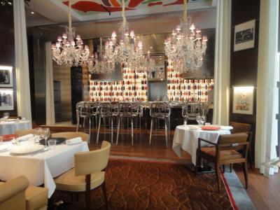 Deux tables paris fr quenter absolument chefs - Royal monceau la cuisine ...