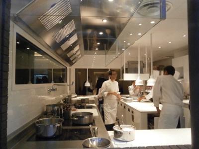 les tr s tendances open kitchen le spectacle est en cuisine chefs pourcel blog. Black Bedroom Furniture Sets. Home Design Ideas