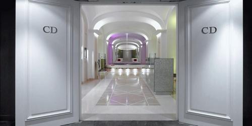 Service palace