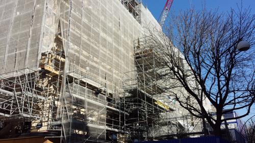 Avenue montaigne paris le plaza ath n e peaufine son relooking extr me c - Renovation plaza athenee ...