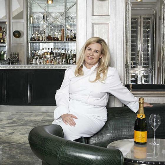 h l ne darroze lue meilleur femme chef du monde 2015. Black Bedroom Furniture Sets. Home Design Ideas