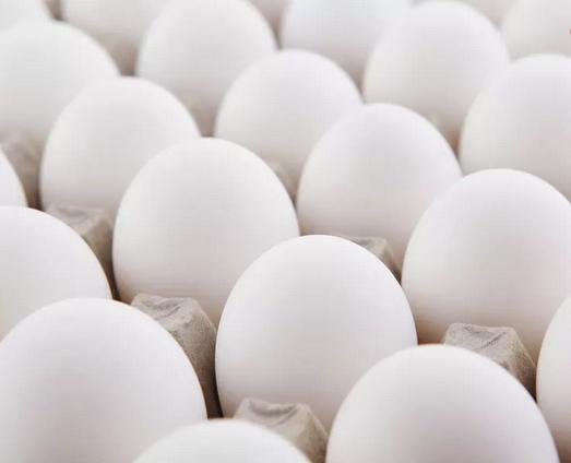 Au japon des poules nourries essentiellement de riz - Que cuisiner avec des blancs d oeufs ...