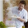 Jamie Oliver visiblement content de la nouvelle gamme Philips pour laquelle il fait de la pub…