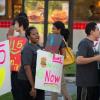 Au pays des fast-foods, les salariés se mettent en grève