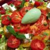 La recette de la semaine : Salade fraîcheur de tomates de saison, mozzarella, framboises et sorbet aux tomates vertes.