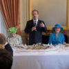 Elizabeth II … un petit verre de Gin avant de dormir !